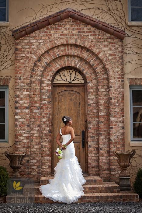 Montaluce Winery bride